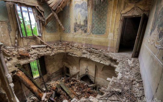 Villa Bodenlos [lost]