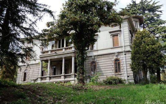 Villa C. [lost]